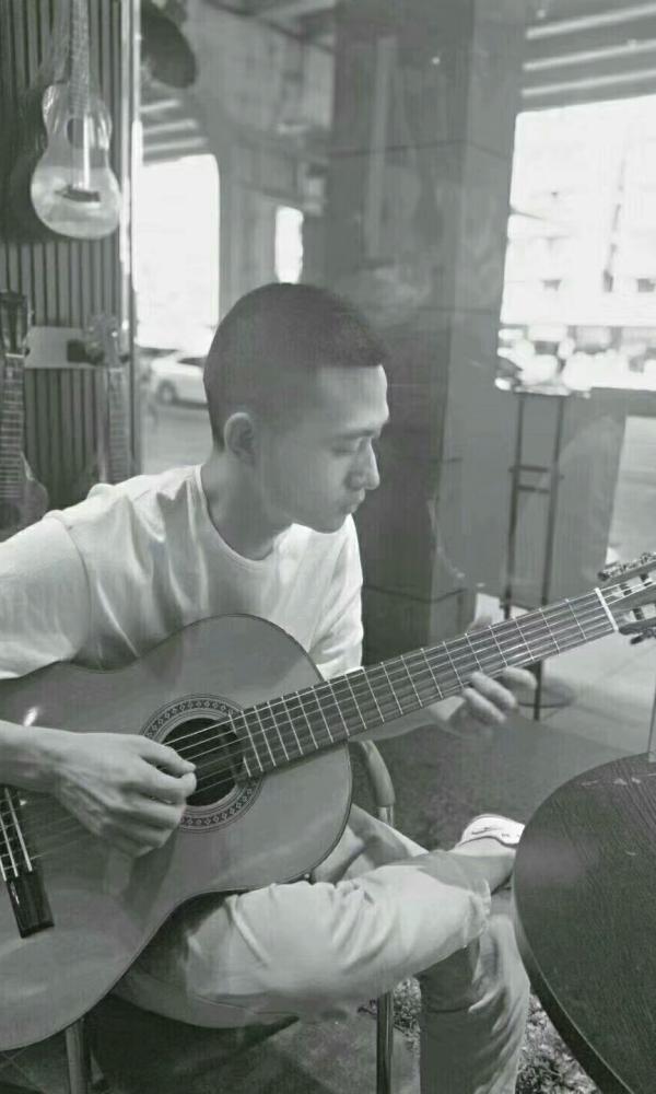 我们天韵吉他龙舟路校区的吉他老师?[image.jpg]
