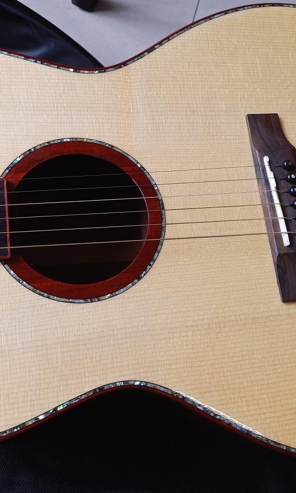 卖二手吉他[image.jpg]
